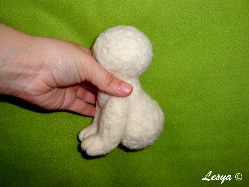 Мастер-класс по валянию игрушки медвежонка этап 14