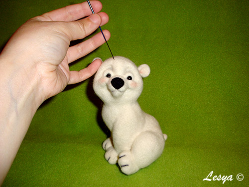 Мастер-класс по валянию игрушки медвежонка этап 60